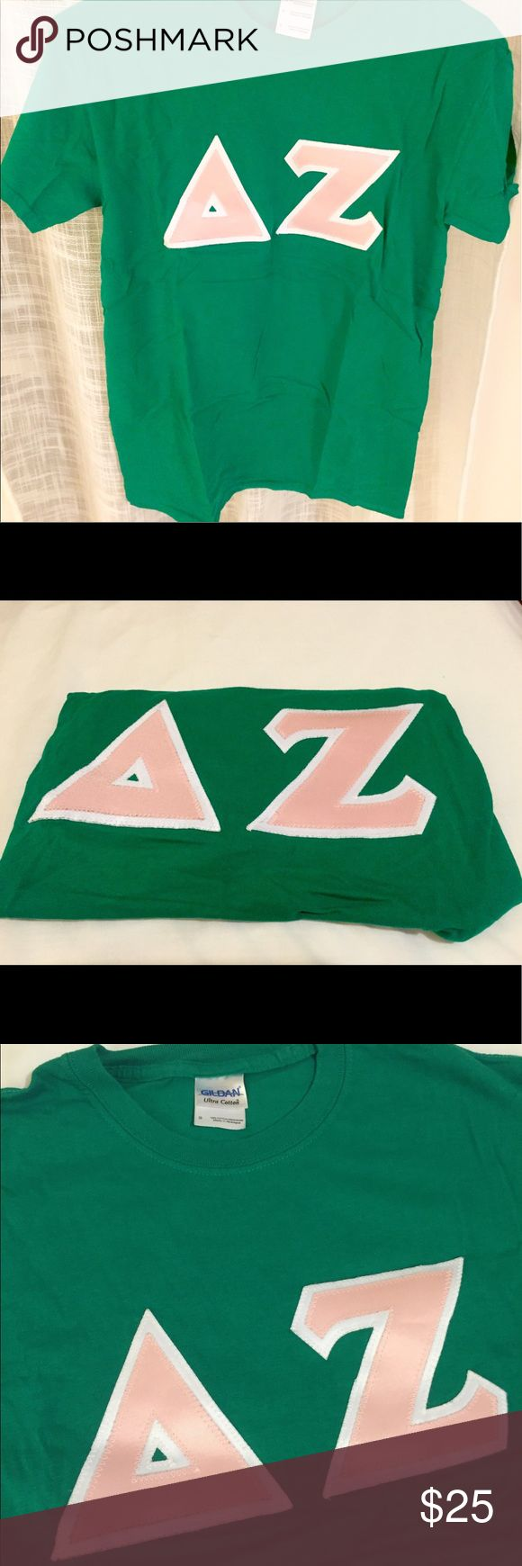 Delta Zeta Block Letter T shirt🐢 DZ cotton Tshirt. Size S. Green with light pink letters and white border Tops Tees - Short Sleeve