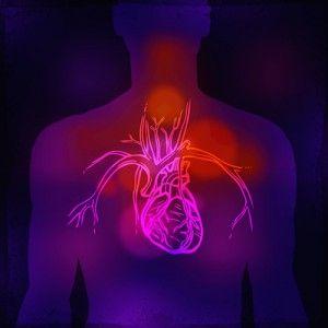 La cirugía de bypass coronario puede hacerse de la forma tradicional, abriendo tu pecho y pasando la sangre a través de una máquina corazón-pulmón que la sigue bombeando a tu cuerpo durante la cirugía. Esta es la cirugía más común.