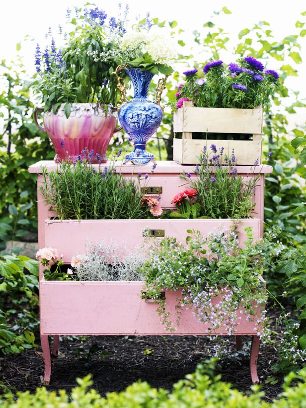 Designer MacGyver: 5 Totally-Doable DIY Dresser Ideas (http://blog.hgtv.com/design/2014/06/02/diy-dresser-ideas/?soc=pinterest)Garden Planters, Ideas, Old Furniture, Old Dressers, Flower Gardens, Gardens Planters, Pink, Unusual Planters, Chest Of Drawers