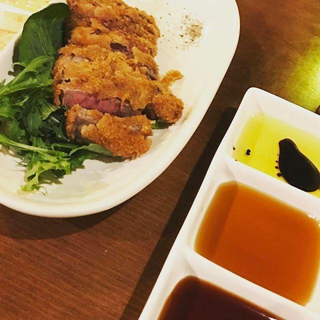 昨日はがっつり肉バル🍖牛カツおいしかったー😊 そのあとはまさかのゆかりパパとご対面😳笑 面白いパパやった☺️ #foodstagram #宮崎グルメ #肉 #牛カツ #肉バル #居酒屋