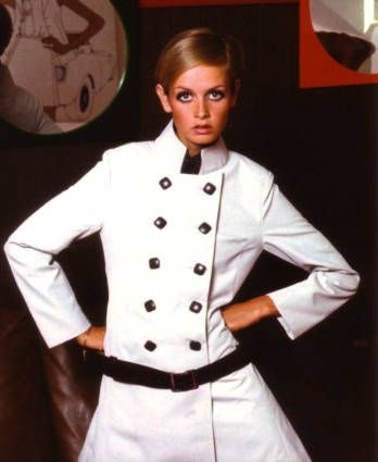 Ronald Falloon: 60s fashion photographs at Nolia's Gallery - Twiggy.