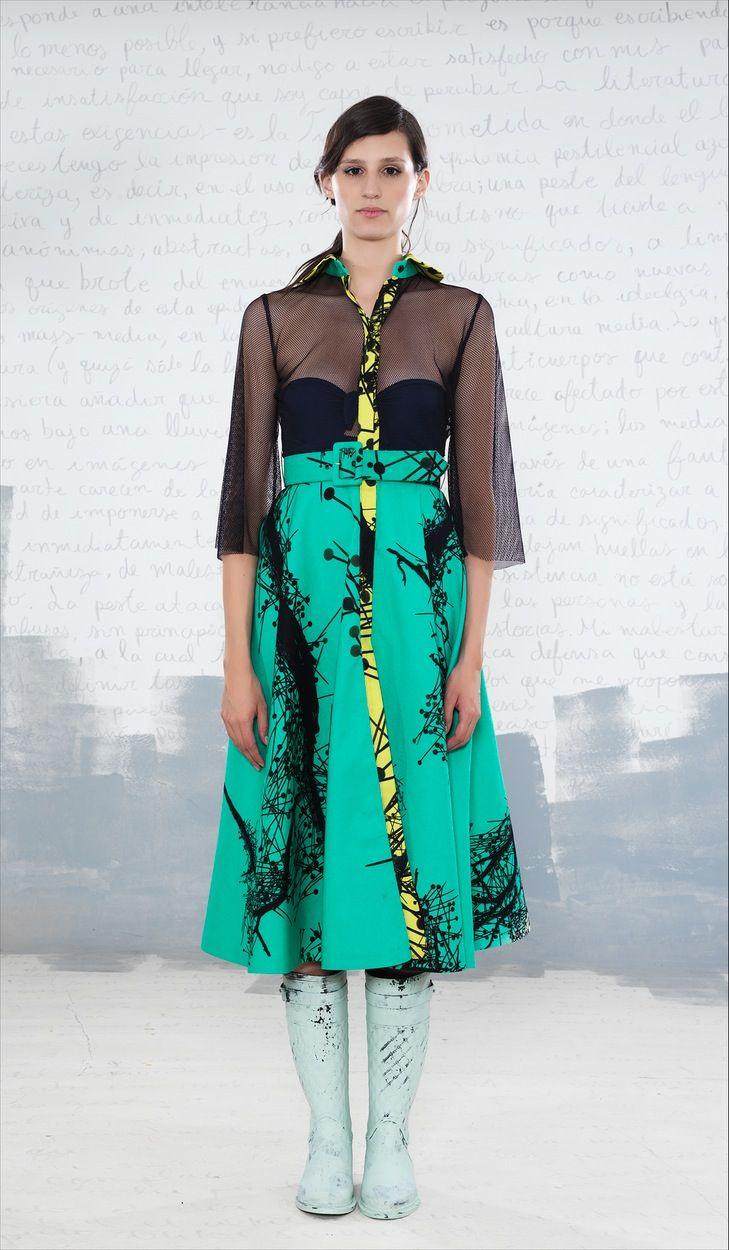 Vestuario: Olga Piedrahita Zapatos: Bastardo vestido de baño: Fotografía: Camilo George Modelo: Sylvana S de La agencia