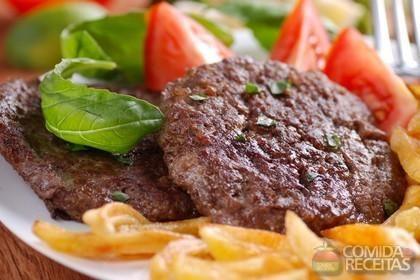 Receita de Hambúrguer de carne em receitas de paes e lanches, veja essa e outras receitas aqui!