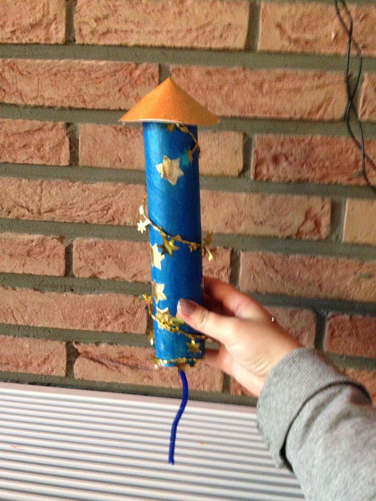 Nieuwjaarsbrief: vuurpijl  Versje:  Het is feest, het is feest Ik ben nog nooit zo blij geweest Het nieuwe jaar komt eraan Daarom steek ik mijn vuurwerk aan!