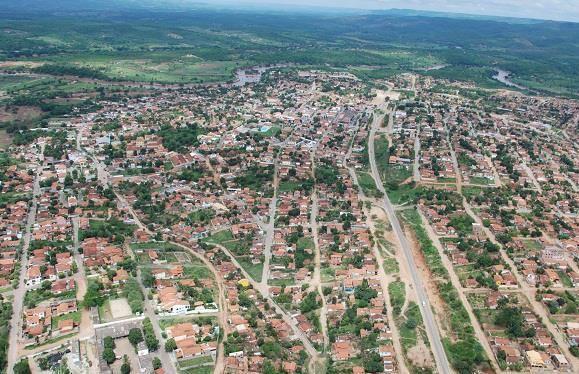 Mãe de escrivã da Polícia Civil é atingida por tiro durante confronto entre criminosos em Araçuaí