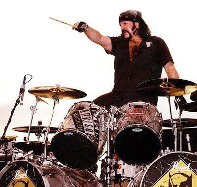 Para mi de los mejores !! Pantera's Vinnie Paul
