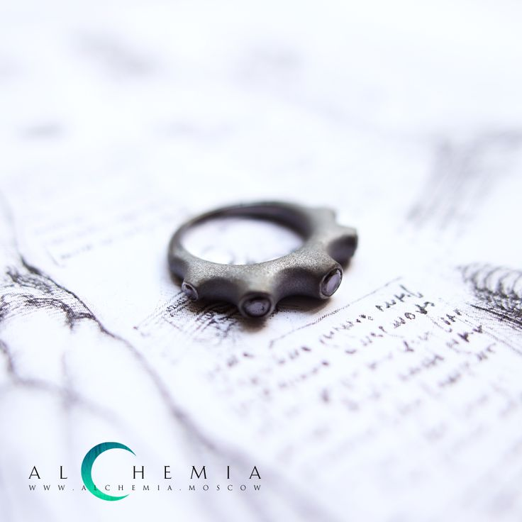 The Spine ring. Silver. Handmade by Alchemia Jewellery.