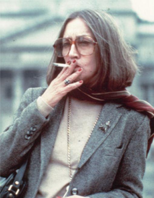 Negli ultimi anni pochi fotografi sono riusciti a immortalare Oriana, qui in posa per Oliviero Toscani - Foto - Oriana Fallaci