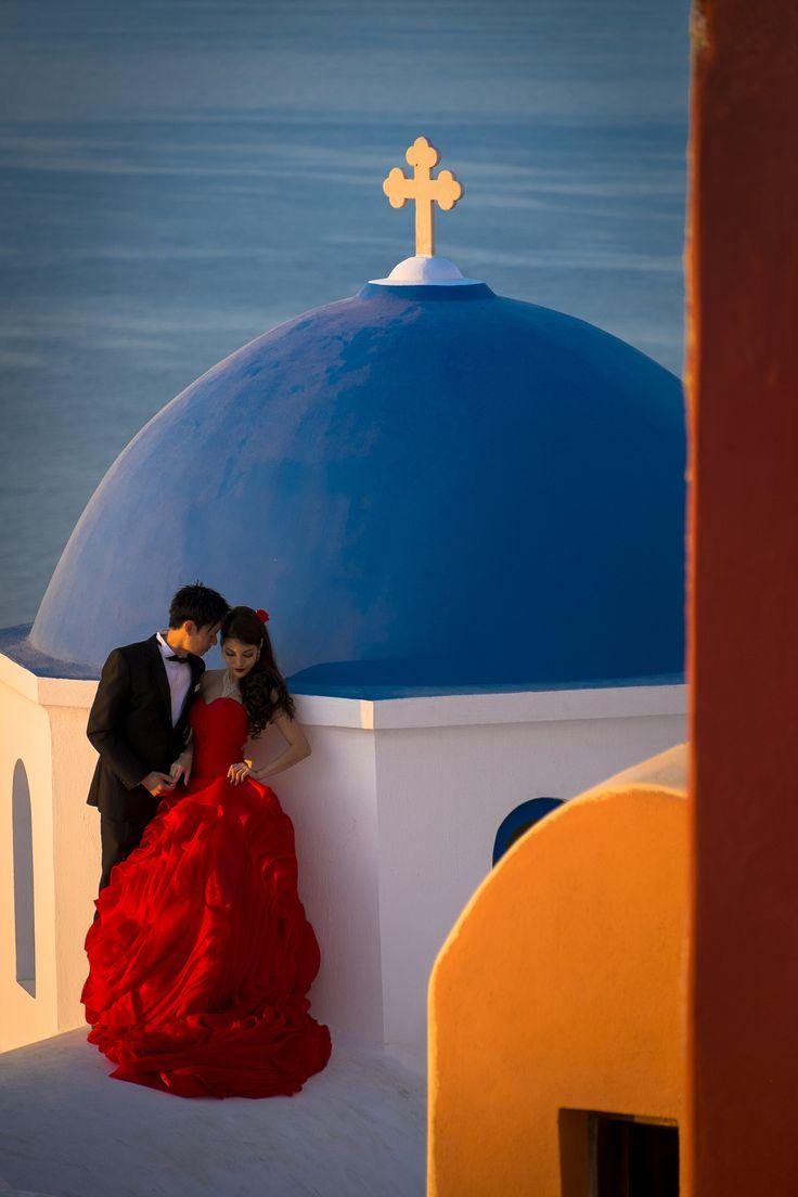 Love in Oia, Santorini, Greece