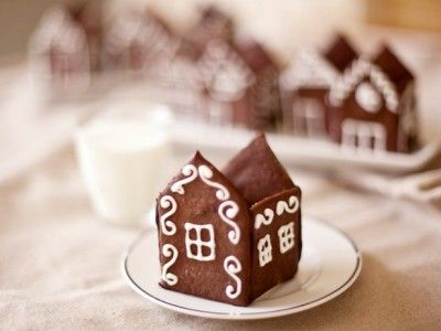 CC_Zoe-Francois-Mini-Gingerbread-Houses-Recipe-1_s4x3