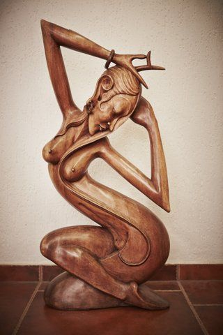 The dancing muse  #statues #sculptures #komodoart