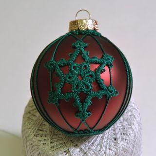 Tatting a Snowflake on an Ornament