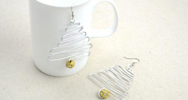 Christmas Earrings - Love DIY