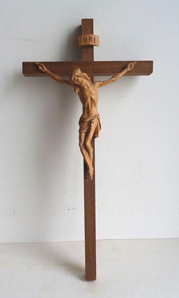 Schönes Holz Kreuz Kruzifix 20. Jhdt. geschnitzt Handarbeit Christus Jesus Santo