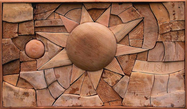 THE SUN, different kinds of wood, 30 x 50 cm / SLUNCE, různá dřeva, 30 x 50 cm / Viva wood art