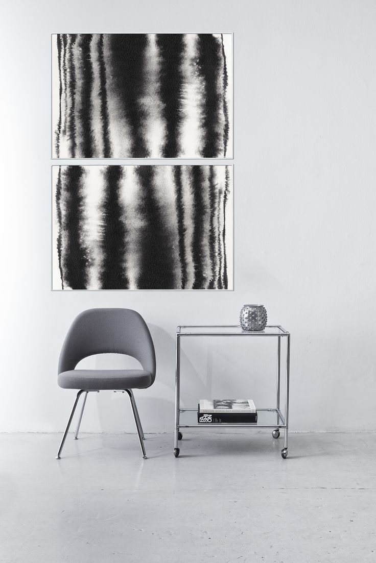 At first glance the Haze illustration presents a sharp contrast between the black and white lines, but at a closer glance Haze appears incredibly soft. The tones fuse together in a delicate transition, and the structures of the original artwork come through in a furry and patinated look.