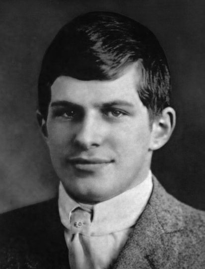 Not Einstein, Thomas Alva Edison was not. But it was William James Sidis. Men United States citizen who became most genius man in the world. Why he is less known to the world? This guy is too smart. Just 11 years old, he had entered the University. He became the youngest student at Harvard University.IQ250