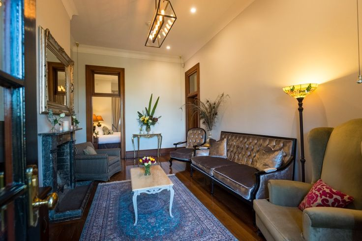 Centennial Park - Superintendents cottage - Living room - 5 Star boutique hotel