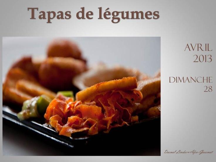 Tapas de légumes:  Tagliatelle de carotte - Chips de patate douce - Rondelle de poireaux fris - Frites de banane plantain - Acras d'igname aux oignons - Sauce piquante à la mangue Création culinaire: Afro-Gourmet Photographie: Darnel Lender