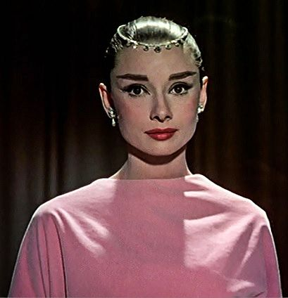 In Funny face Audrey Hepburn wears a Cartier Necklace as a Tiara - Photo from the movie