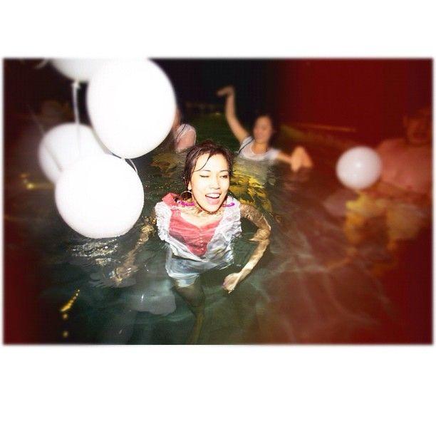 Swimming balloons