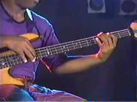 Victor Wooten - Bass Tapping Lesson (+playlist)