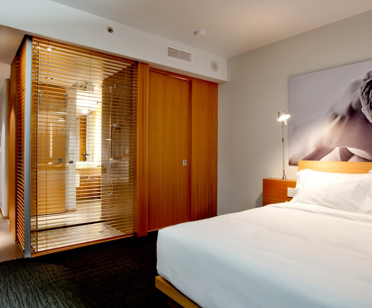 LEMAYMICHAUD | GERMAIN | Toronto | Maple Leaf Square | Architecture | Design | Hospitality | Hotel | Room | Bathroom |