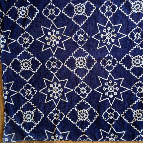 Old Blue Bandana / Vintage Bandana / Blue and white with Star pattern / Cowboy Bandana / Unique Bandana / Hobo Hanky
