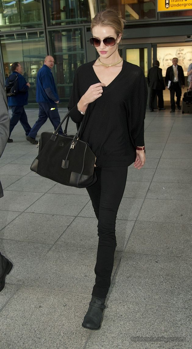Stylish Starlets: Airport Chic, Rosie Huntington-Whiteley