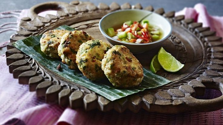 Thai fish cakes with a honey and cucumber dip