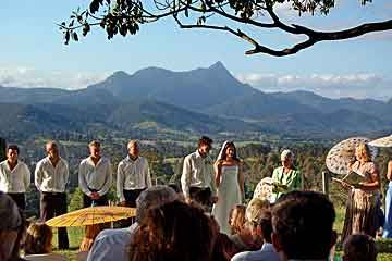 Midginbill Hill in the Tweed Valley hinterland between Byron Bay and the Gold Coast, specializes in large group weekend weddings, in a spectacular location.