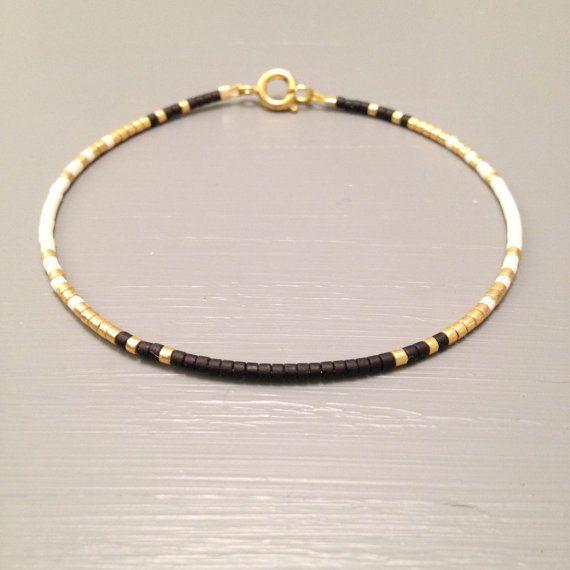 Minimalist Gold Bracelet Dainty Bracelet Layaring par ToccoDiLustro