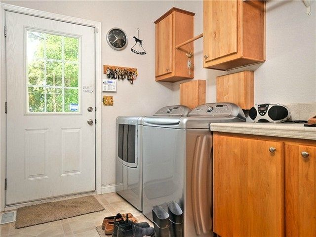 Spacious and convenient mud room makes clean up from the barn easy!
