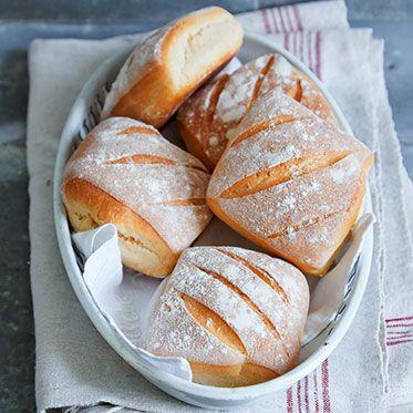 Dinkelbrötchen Rezept | Küchengötter Muss ich probieren. Klingt so einfach - gut !