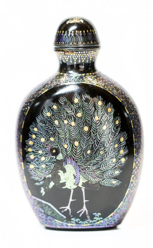Japanese inlaid mother-of-pearl lacquer snuff bottle.