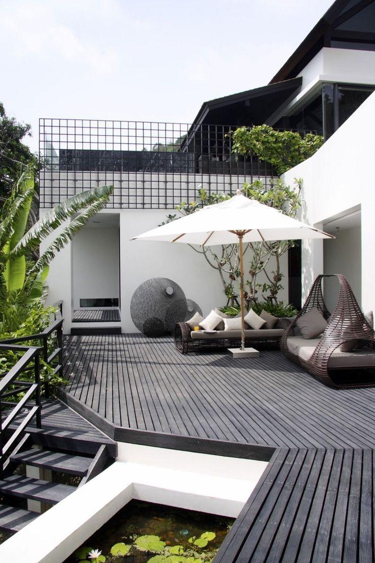 Ideen für Terrassengestaltung-gemütliche Outdoor-Lounge mit Rattan-Sofa