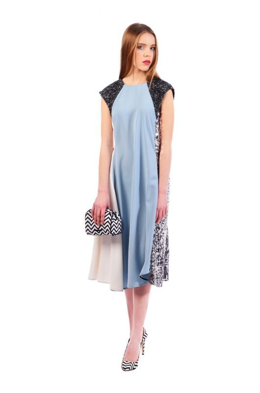 Belasé šaty s flitrami