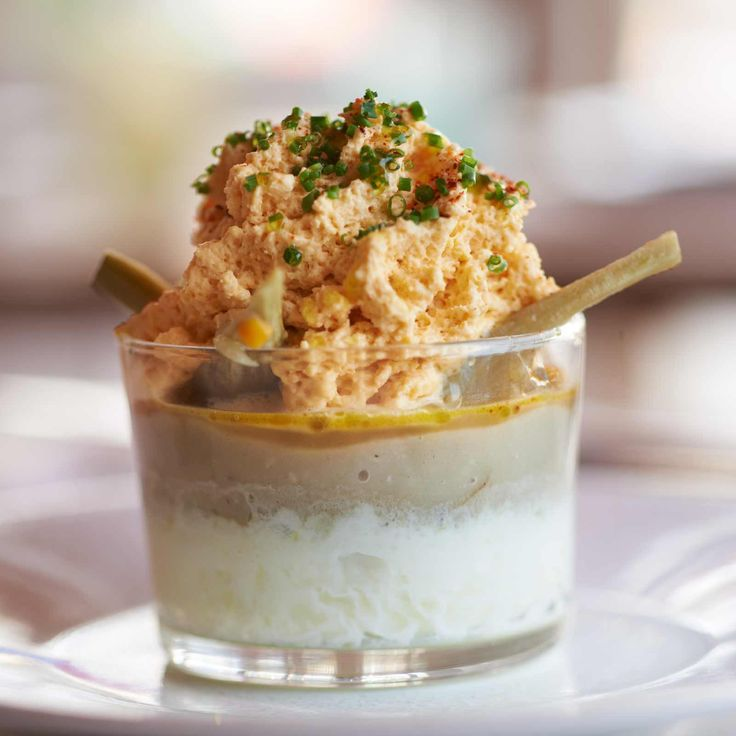 Découvrez la recette Œuf cocotte aux artichauts poivrades sur cuisineactuelle.fr.