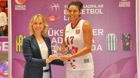 La deportista nacional Ziomara Morrison, quien salió campeona de baloncesto con el club Osmaniye GSK en Turquía
