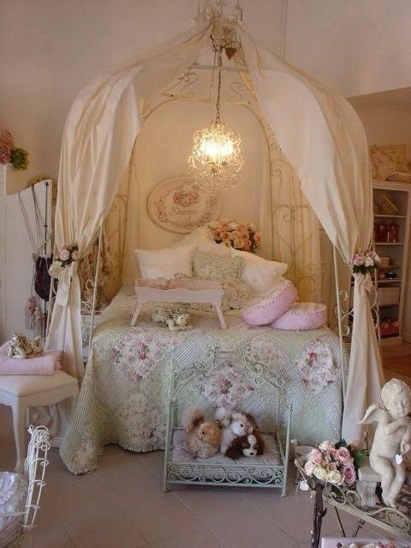 Shabby Chic Kids Bedroom With A Canopy Bed