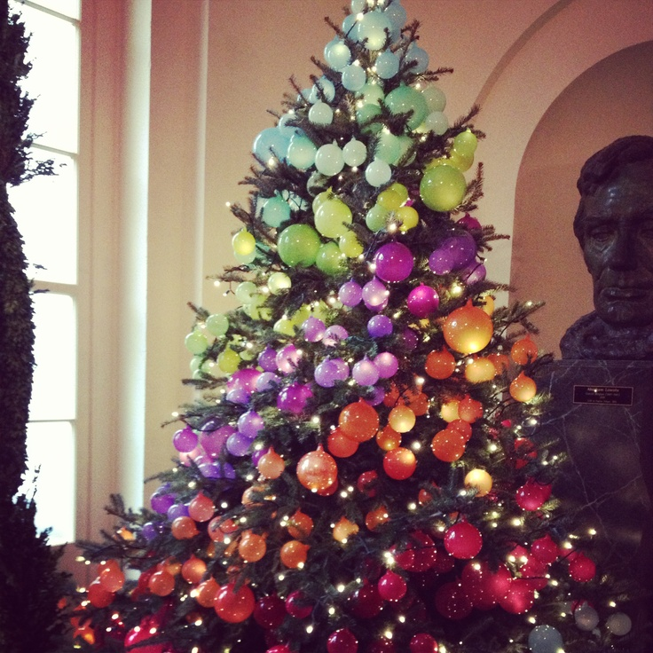 Rainbow Christmas Trees: A Gorgeous Ombré Christmas Tree At The White House