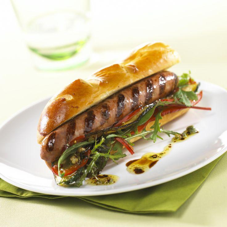 Hot dogs briochés à la saucisse et aux légumes grillés #Cuisine # ...