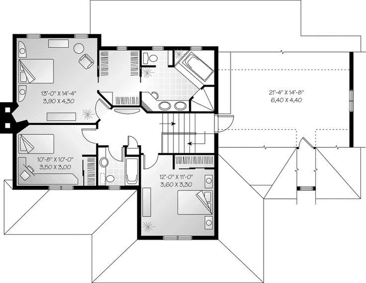 Plafond à 9 pieds au premier étage vestibule fermé salle familiale avec foyer et solarium salle à manger séparée cuisine avec îlot et coin