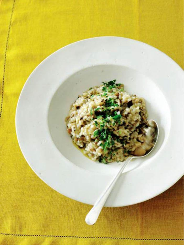 細かく刻んだきのこもポイント。イタリアンテイストで楽しむ米レシピ|『ELLE a table』はおしゃれで簡単なレシピが満載!