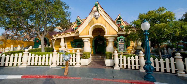 85 Days til Disneyland – Mickey's House!