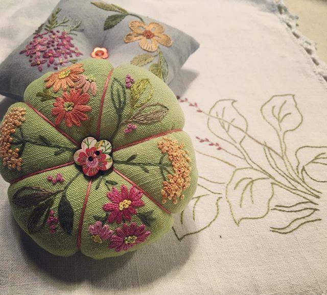 #embroidery #야생화자수 #프랑스자수 #핀쿠션#바늘#방석 #동각뜰자수