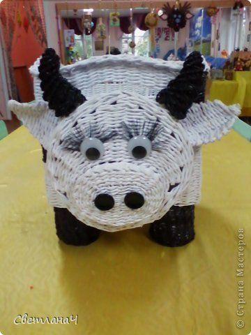 Поделка изделие Плетение Корова - Бурёнка Бумага газетная фото 1