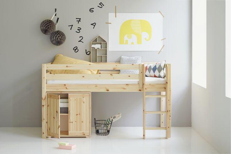 Fabulous Kinderzimmer mit Halbhochbett FLEXA CLASSIC individuell zusammenstellbar FLEXA Markenm bel Pinterest Kinderzimmer Kommode und Weiss