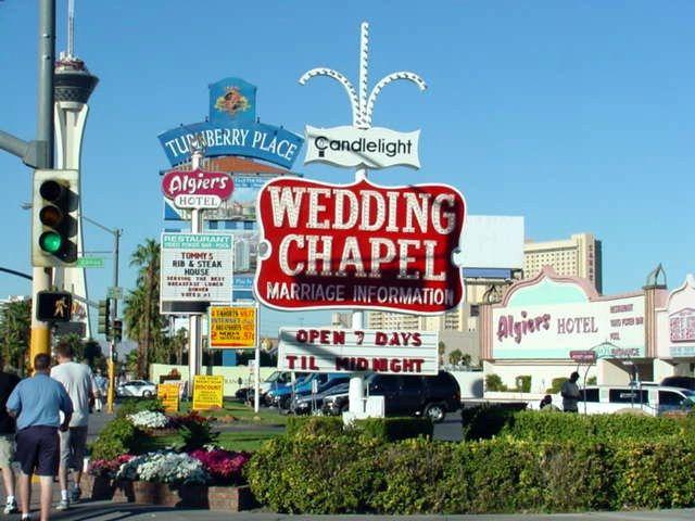 1000 Ideas About Vegas Wedding Chapels On Pinterest