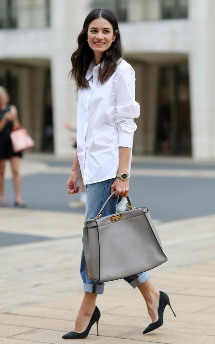 Spring Fashion outfit - white shirt, boyfriend jeans